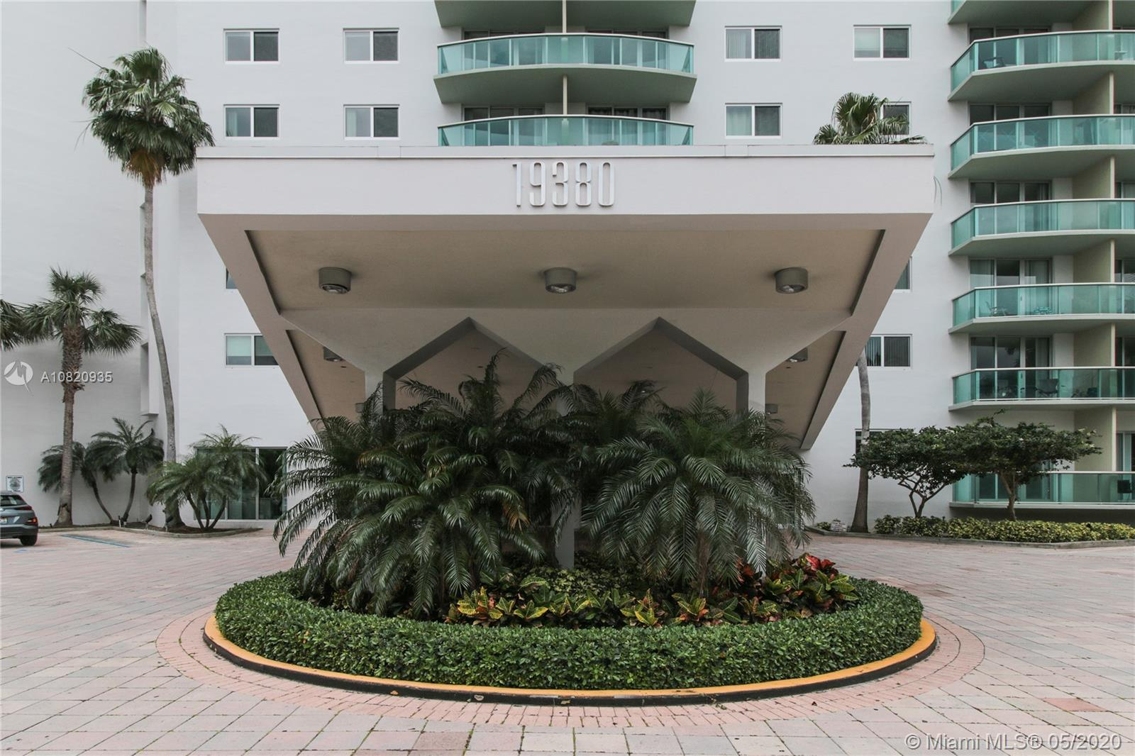19380  Collins Ave #1521 For Sale A10820935, FL