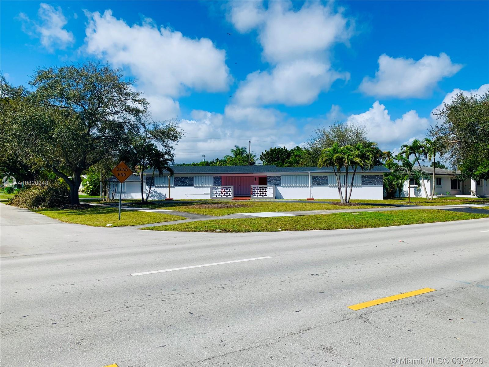 1500 N Park Rd  For Sale A10820948, FL