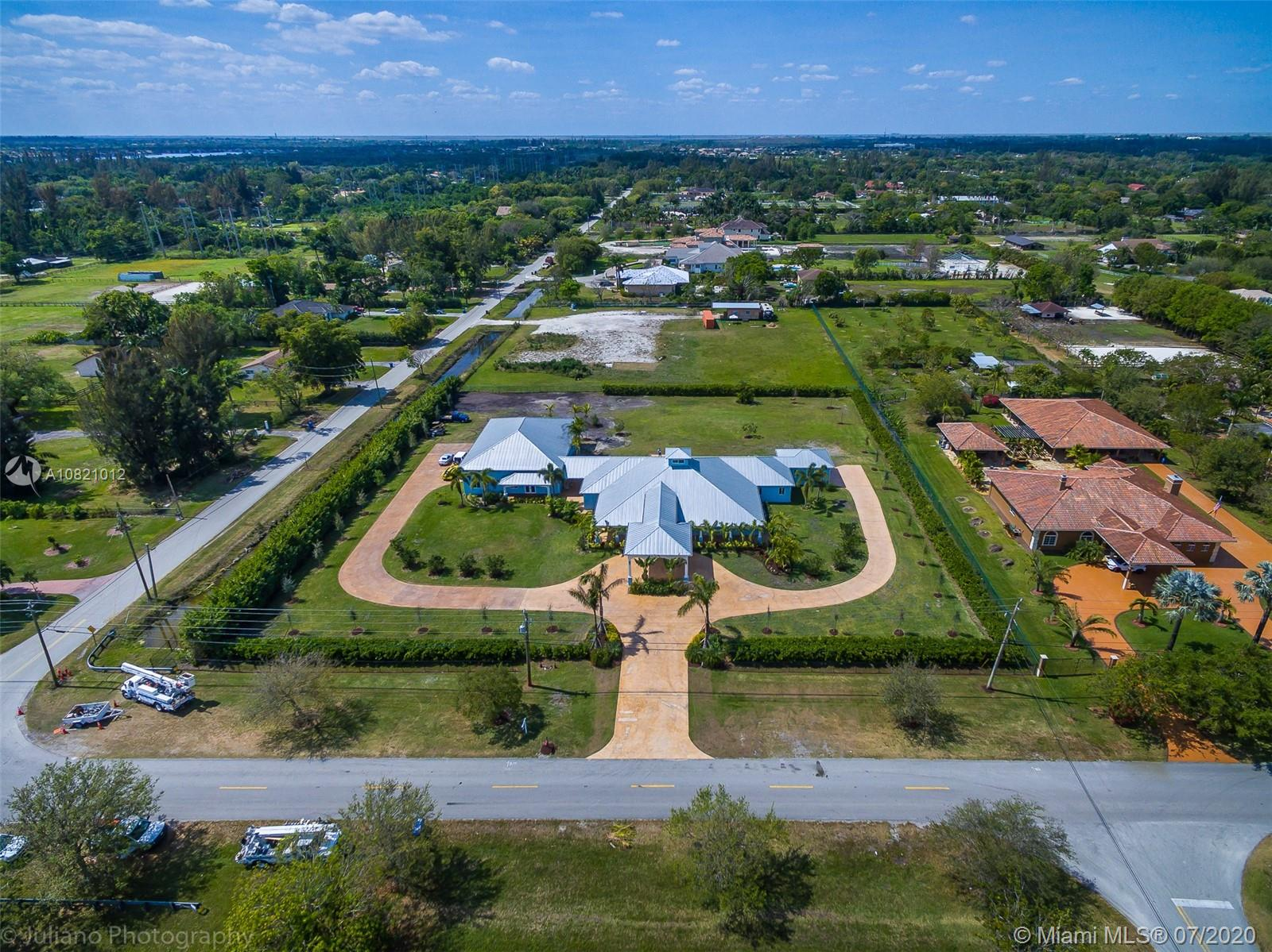 6591 SW 178th Ave  For Sale A10821012, FL