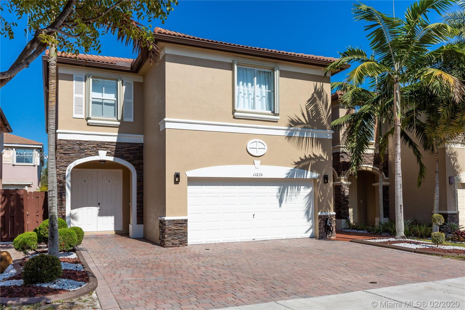 11235 NW 44th Ter  For Sale A10821005, FL