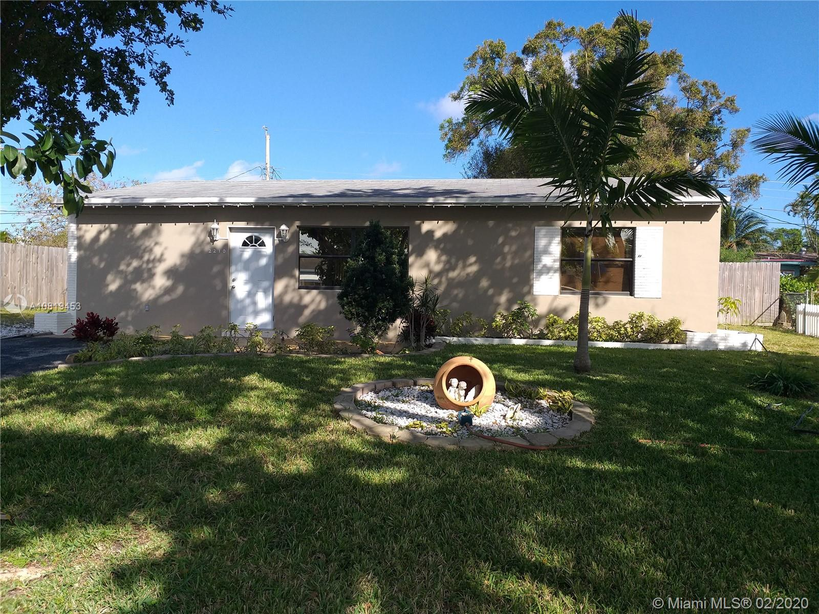2210 SW 44th Ter  For Sale A10819453, FL