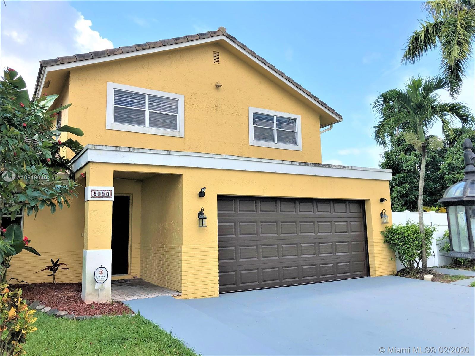 9050 SW 8th St, Boca Raton, FL 33433