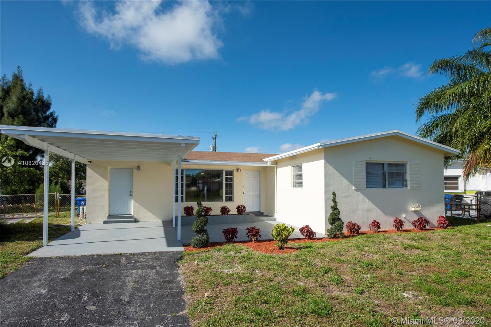 2811 NW 24th Ct  For Sale A10820435, FL