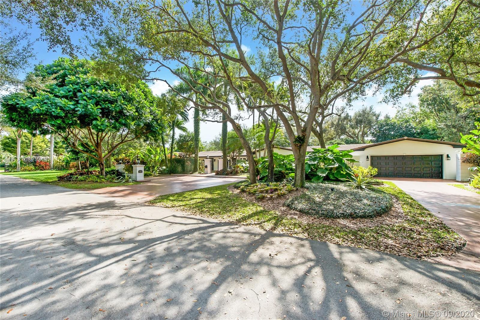 6400 SW 100th St  For Sale A10821314, FL