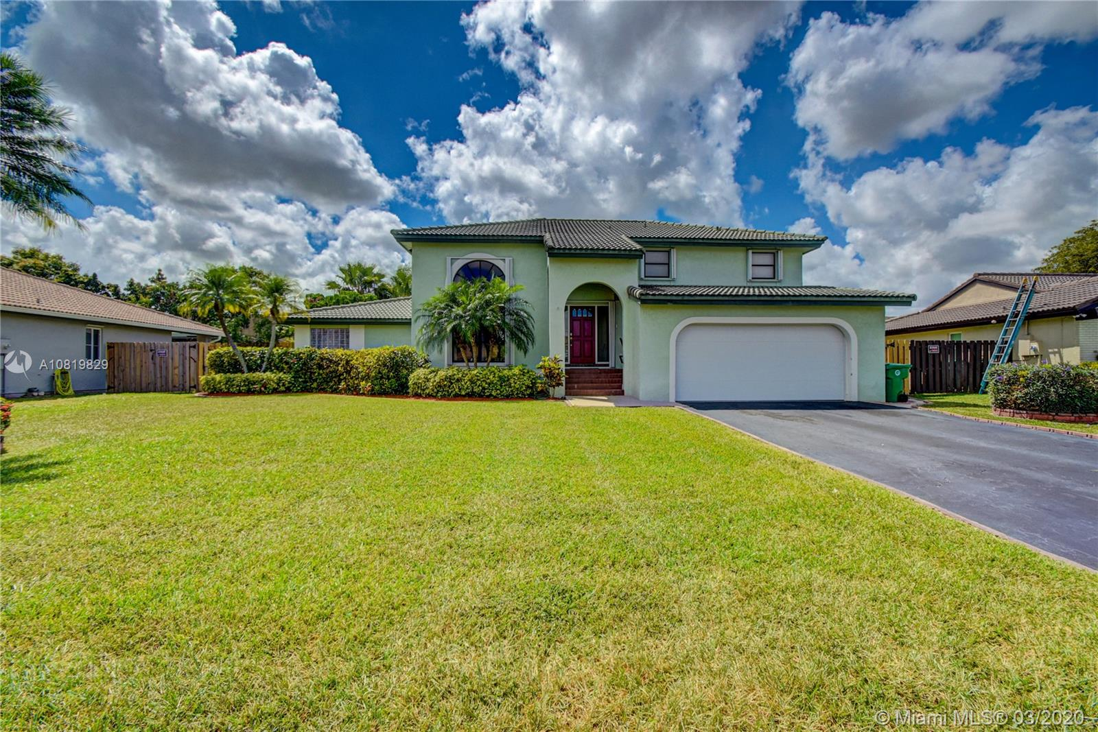6851 W Wedgewood Ave  For Sale A10819829, FL