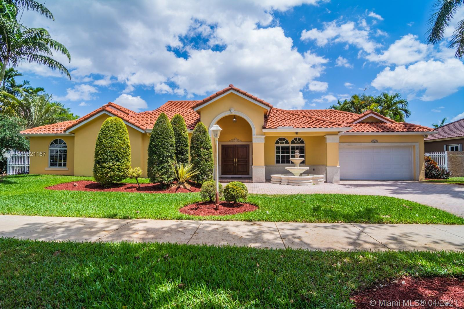 15625 NW 82nd Ct  For Sale A10821187, FL