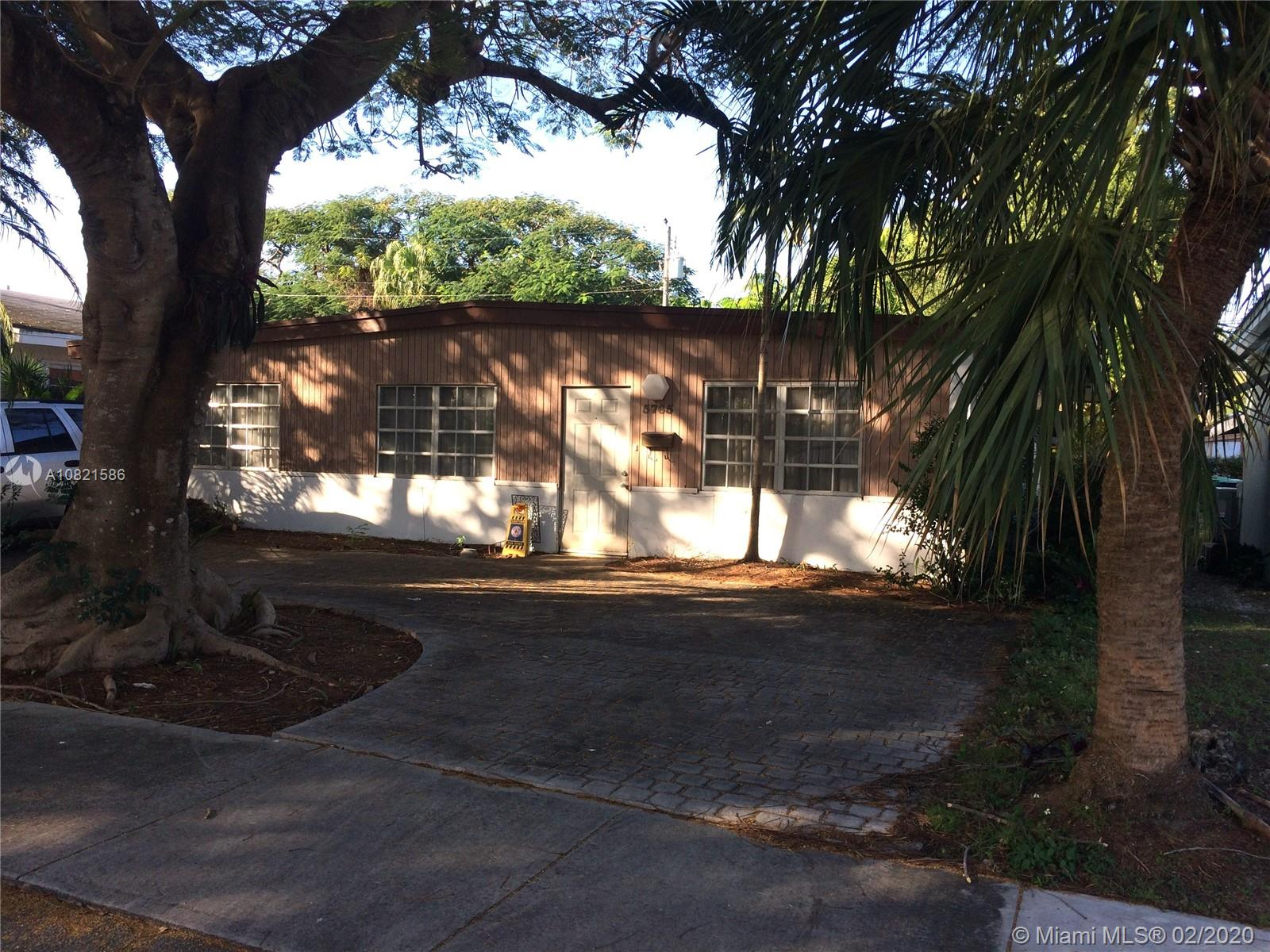 5765 SW 54th Ter  For Sale A10821586, FL
