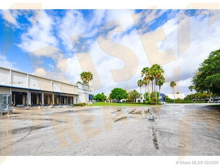 1665 NW 102nd Ave  For Sale A10818607, FL