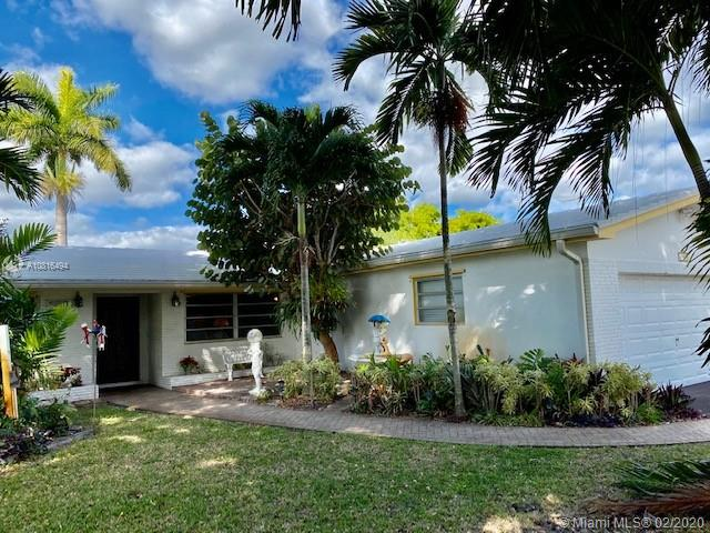 Single-family home, on a great corner lot with beautiful landscaping. Three good size bedrooms and two bathrooms, a two-car garage, a family room, a formal living room, and a separate living room, laundry room.