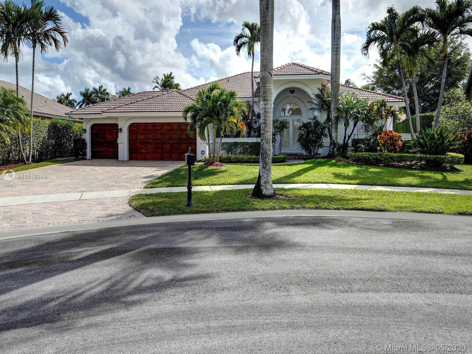 320 Windmill Palm Ave, Plantation, FL 33324