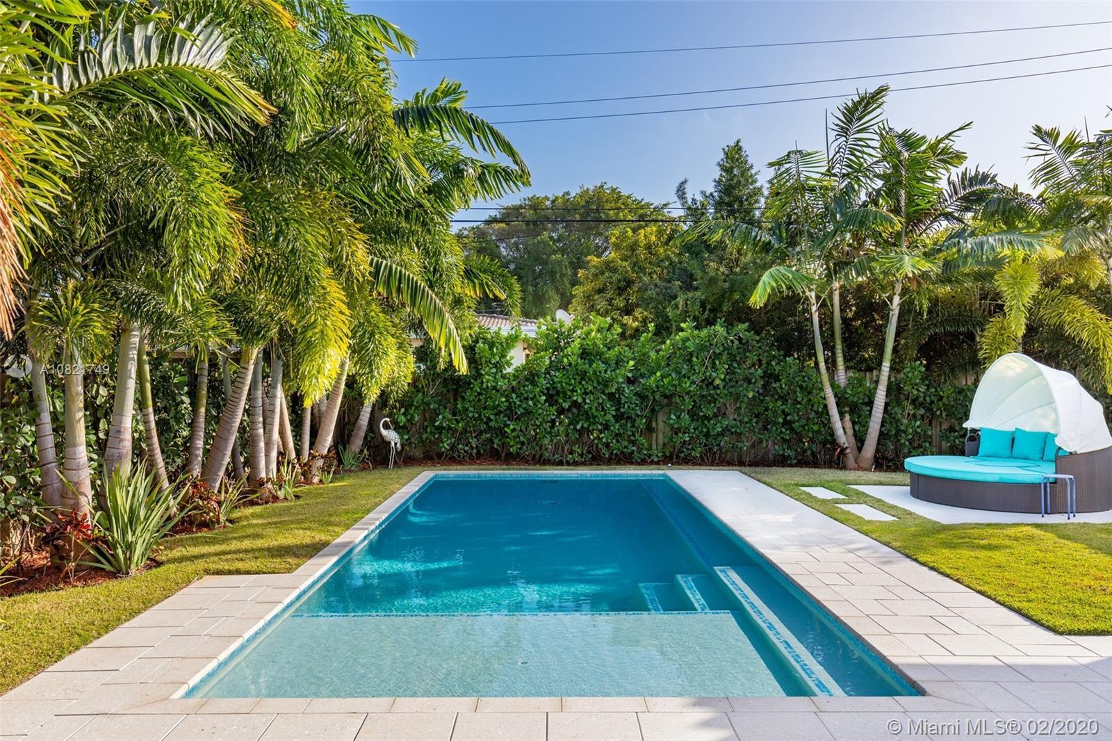 580 N Shore Dr  For Sale A10821749, FL