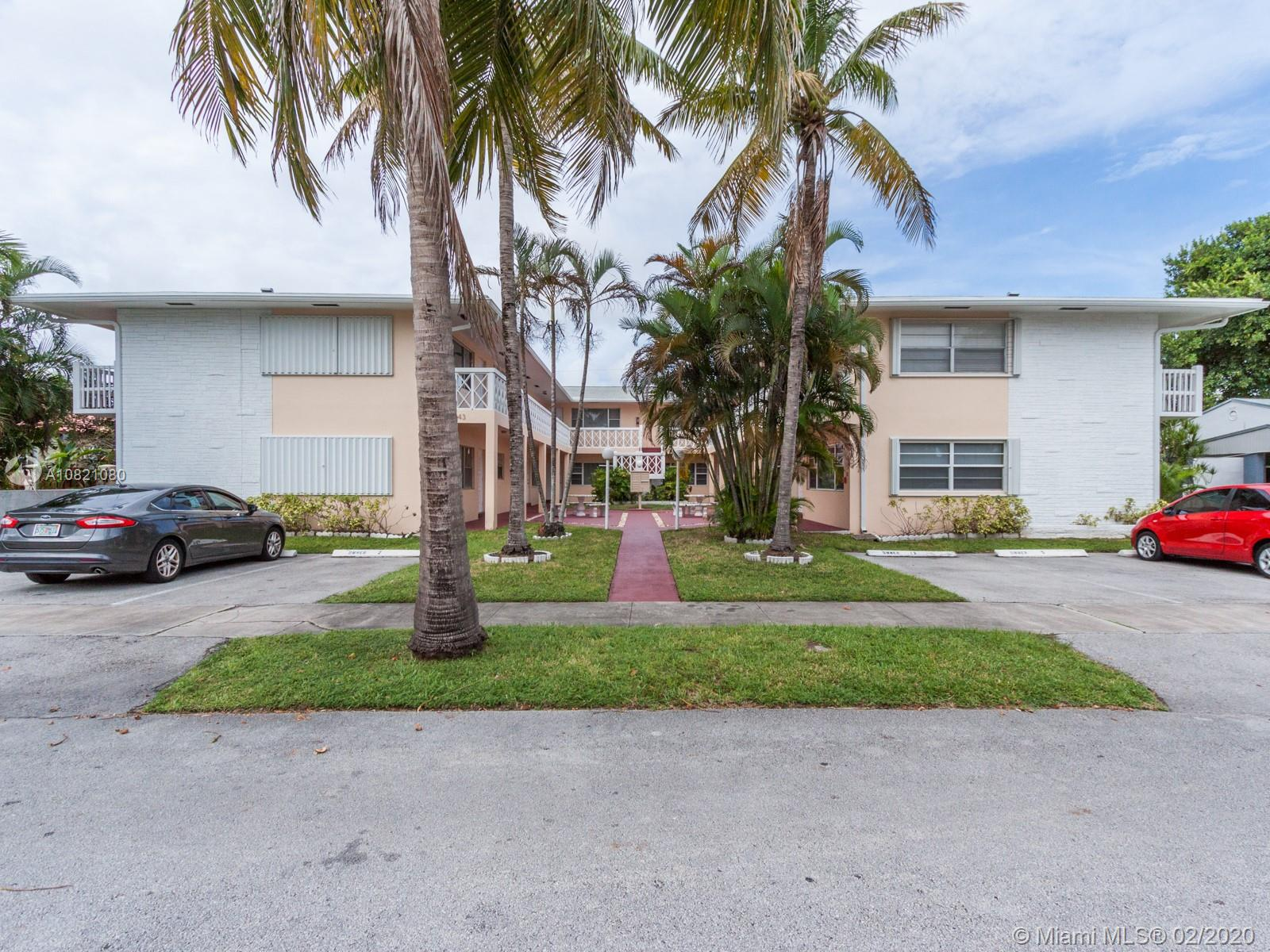 1643  Wiley St #4 For Sale A10821080, FL