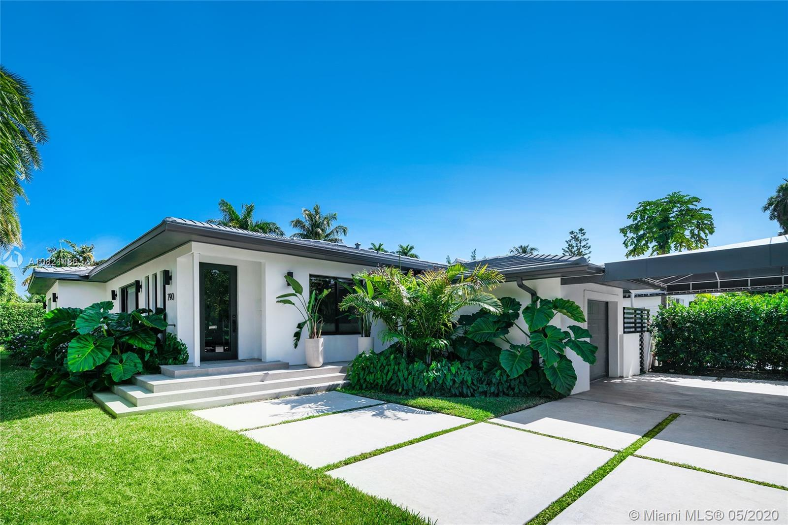 790 W 50th St  For Sale A10821486, FL