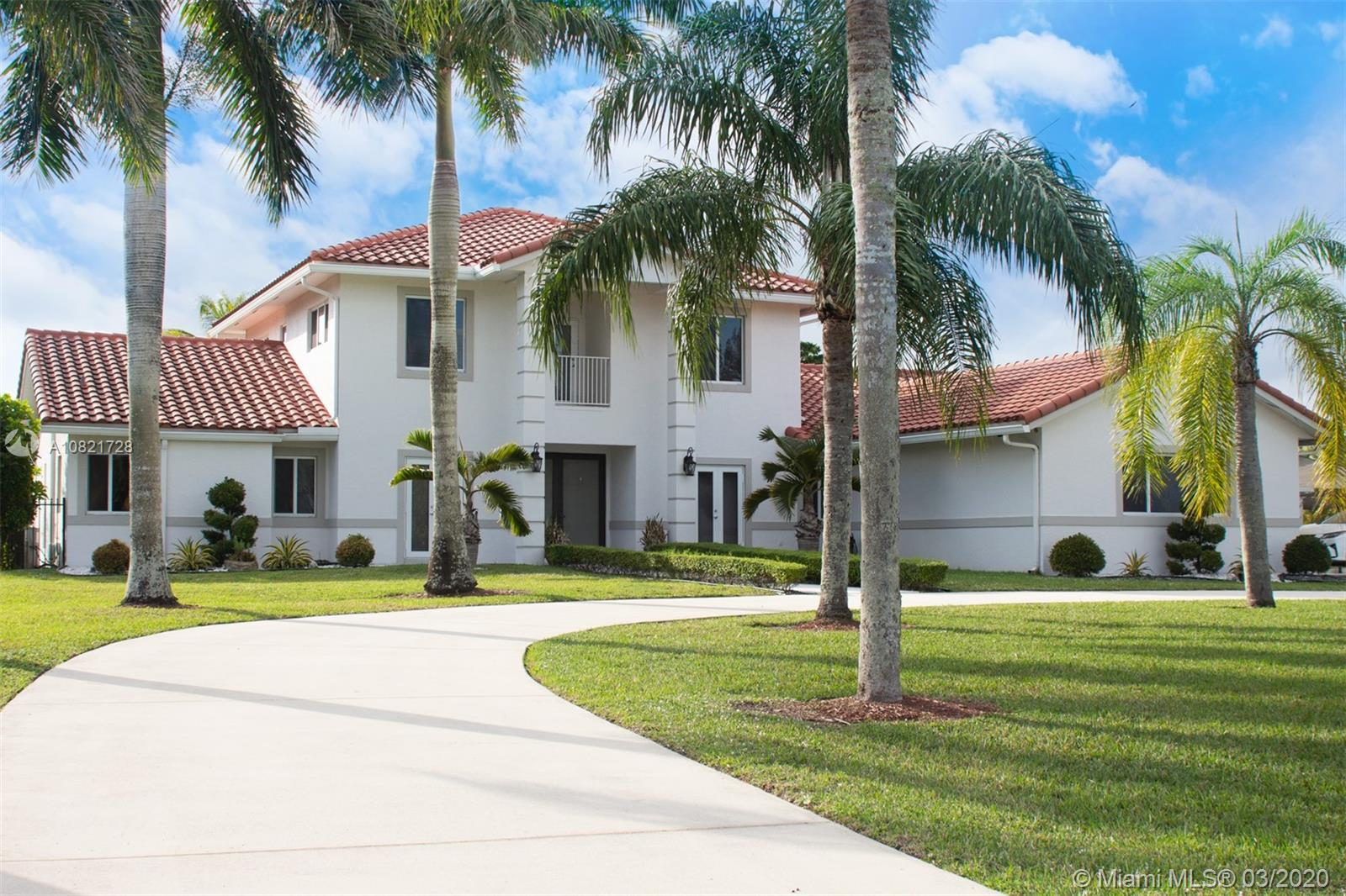 5121 SW 210th Ter  For Sale A10821728, FL