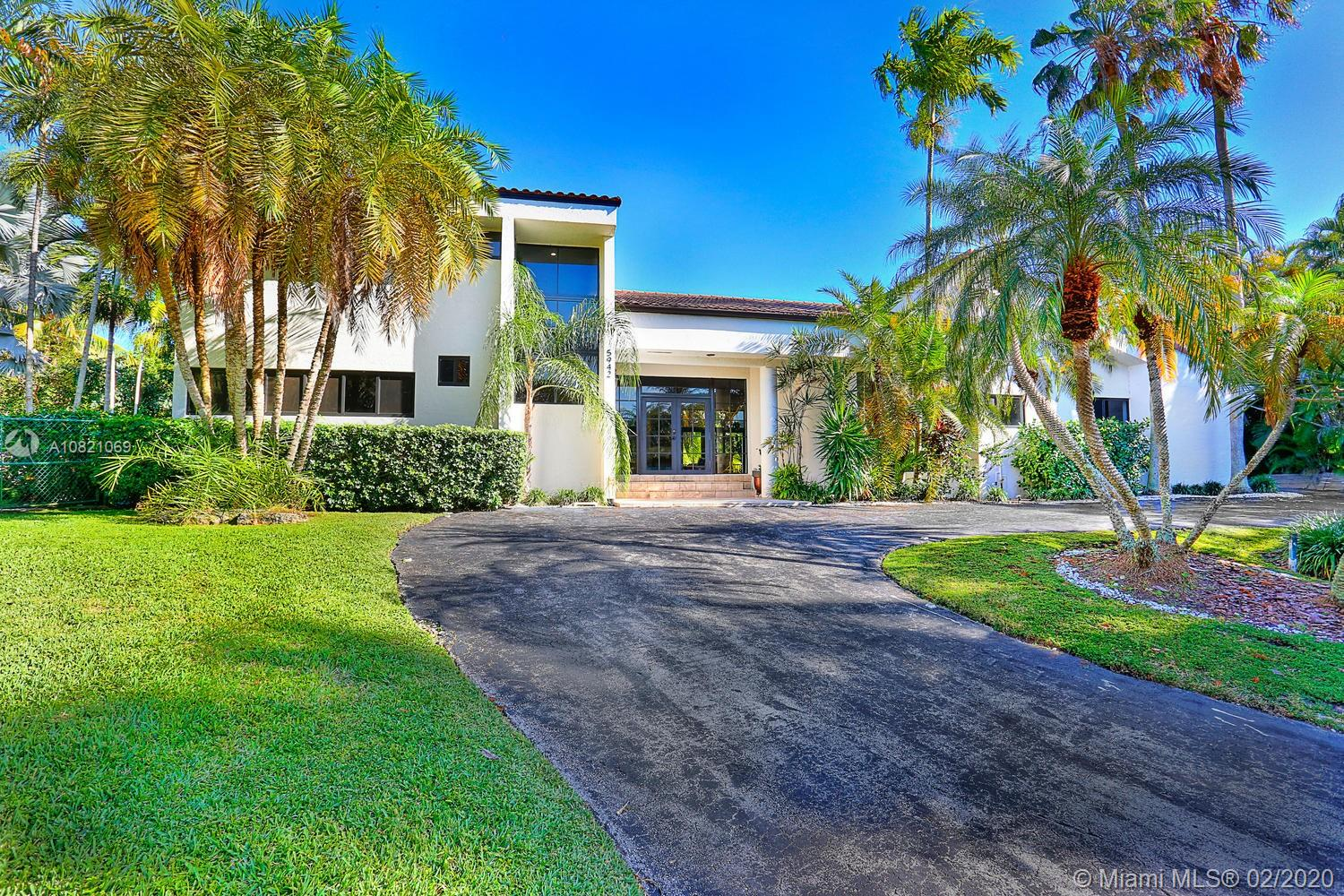 5942 SW 135th Ter  For Sale A10821069, FL