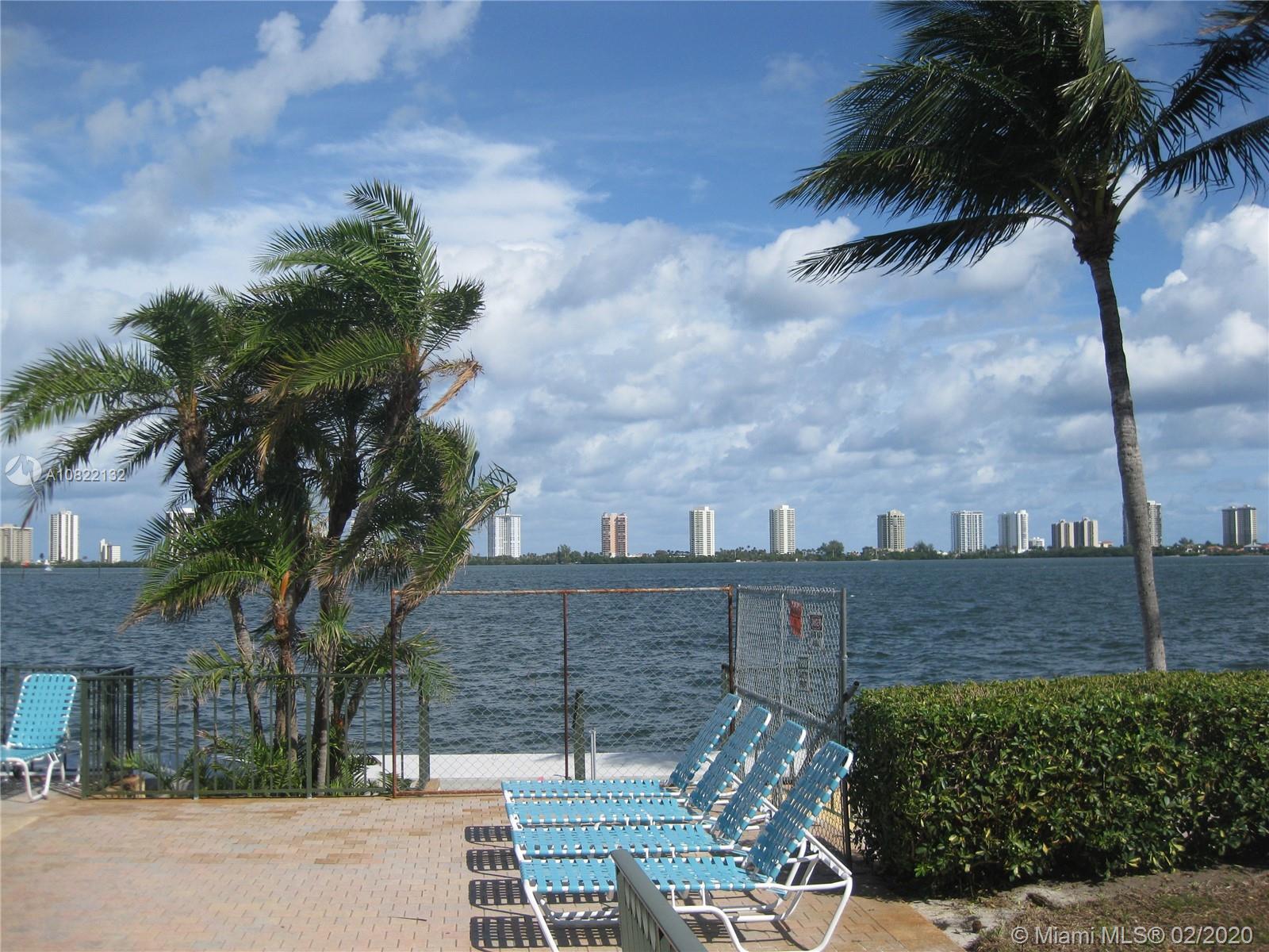 1130 Lake Shore Dr 103, Lake Park, FL 33403