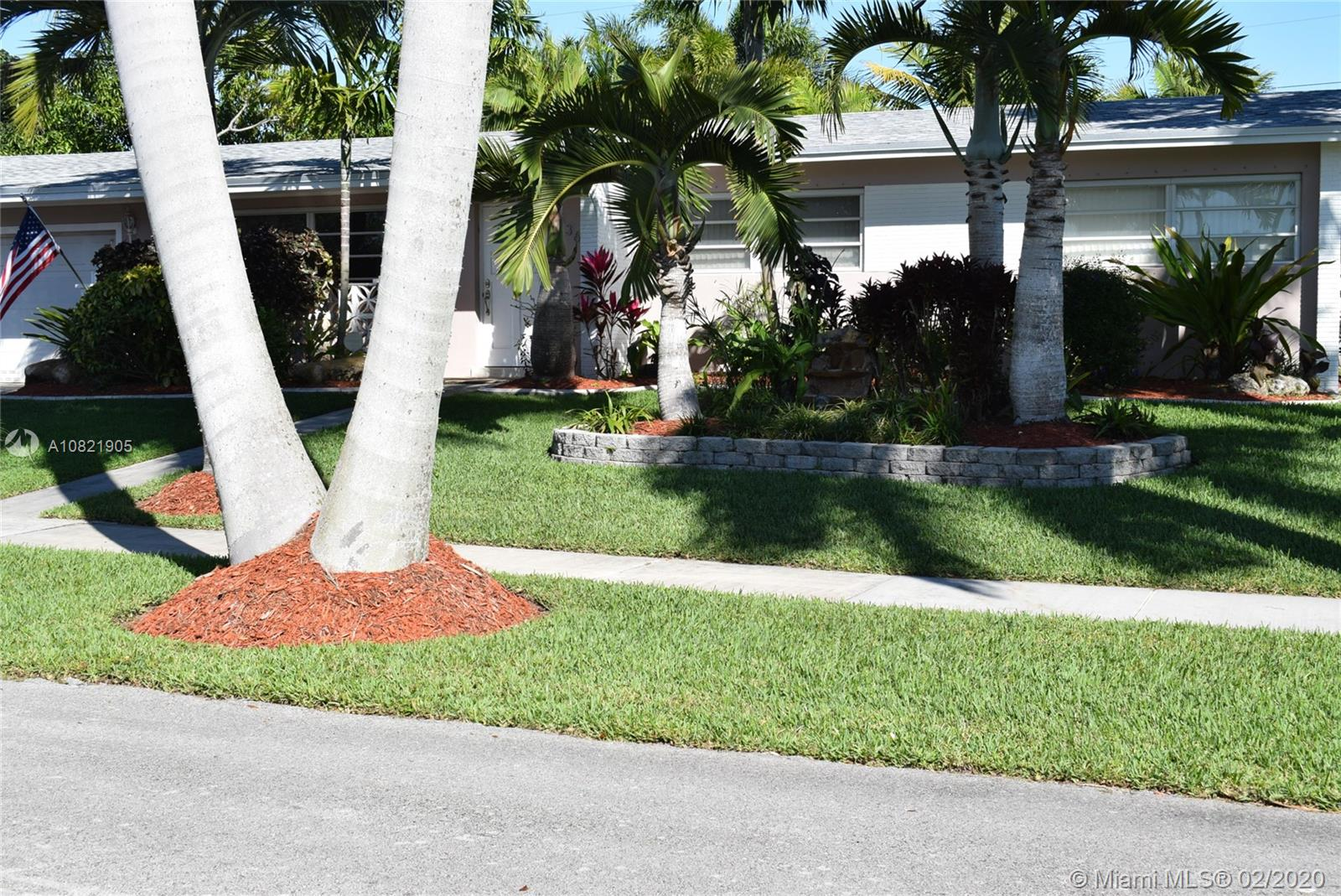 9365 SW 181st St  For Sale A10821905, FL