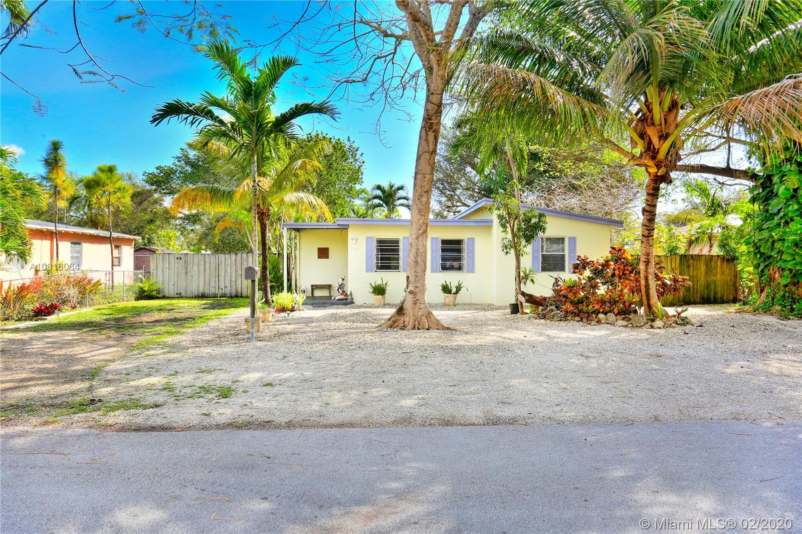 6521 SW 63rd Ct  For Sale A10816064, FL