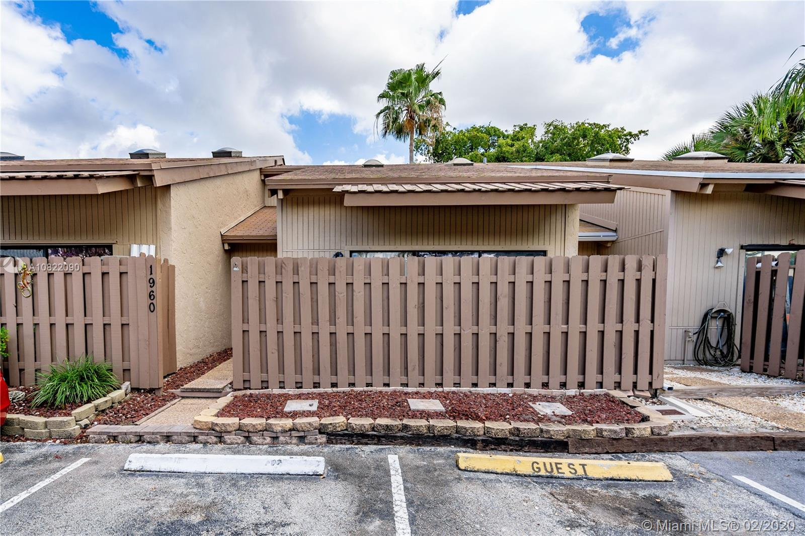 1960 SW 81st Ter #1960 For Sale A10822090, FL