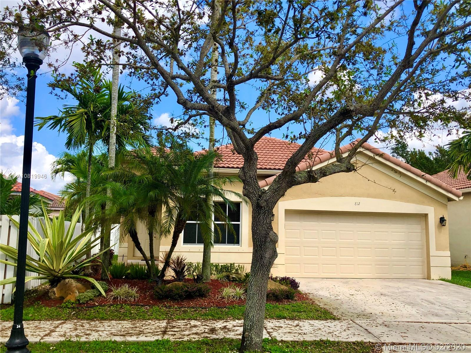 812  Tanglewood Cir  For Sale A10819946, FL