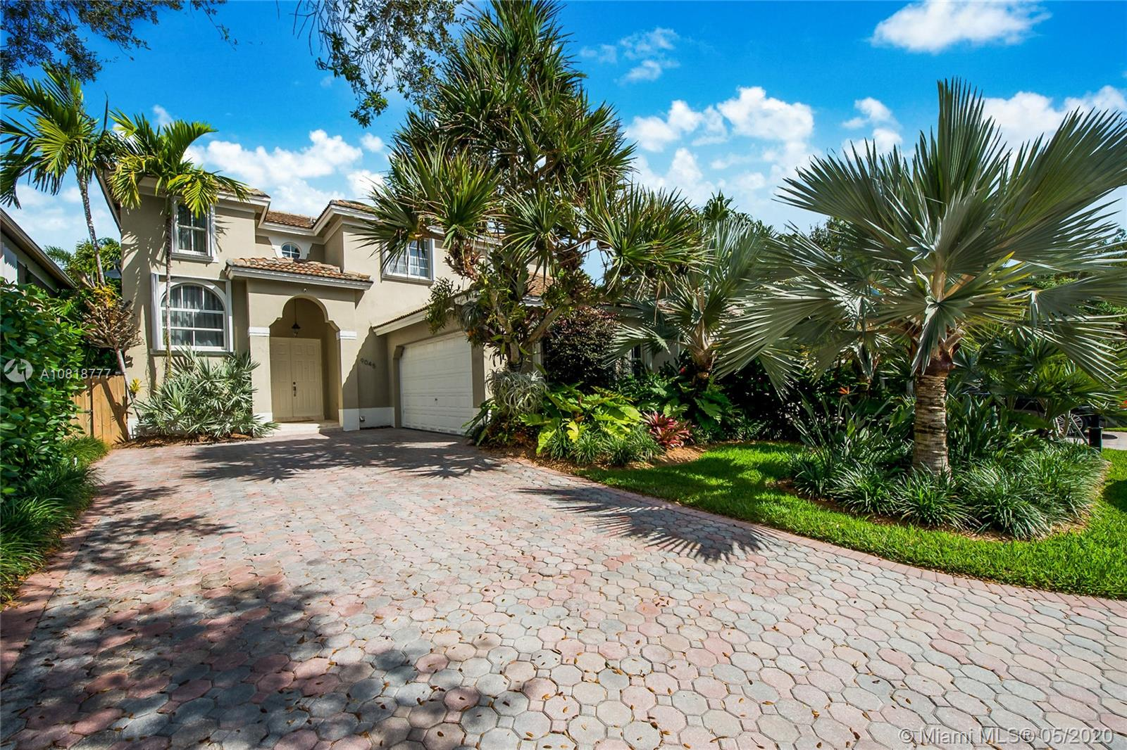 9045 SW 160th Ter  For Sale A10818777, FL