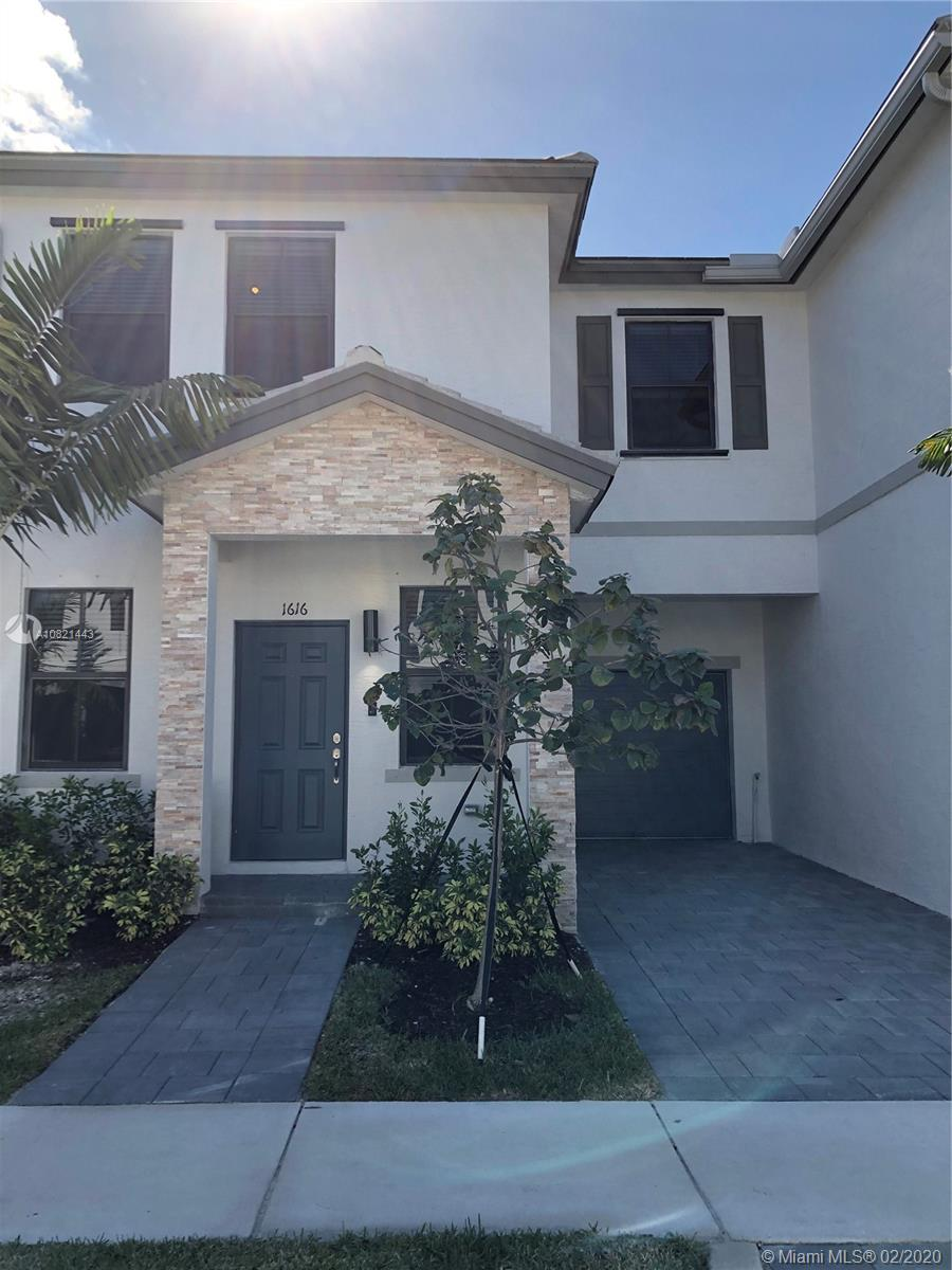 1616 SW 28th st  For Sale A10821443, FL