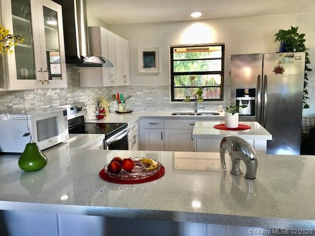 1701 SW 97th Ave  For Sale A10822453, FL