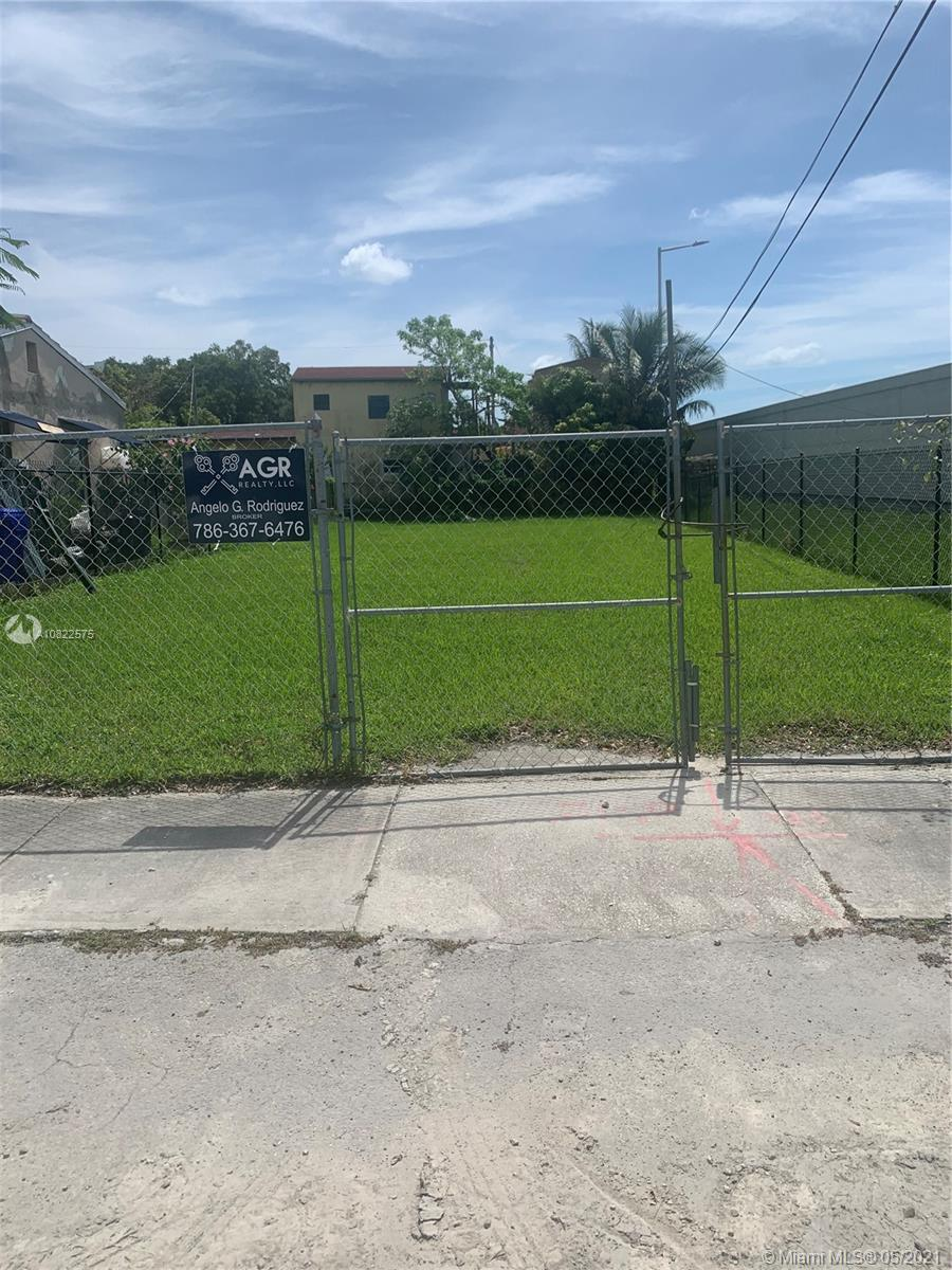 1005 NW 19th Ct  For Sale A10822575, FL