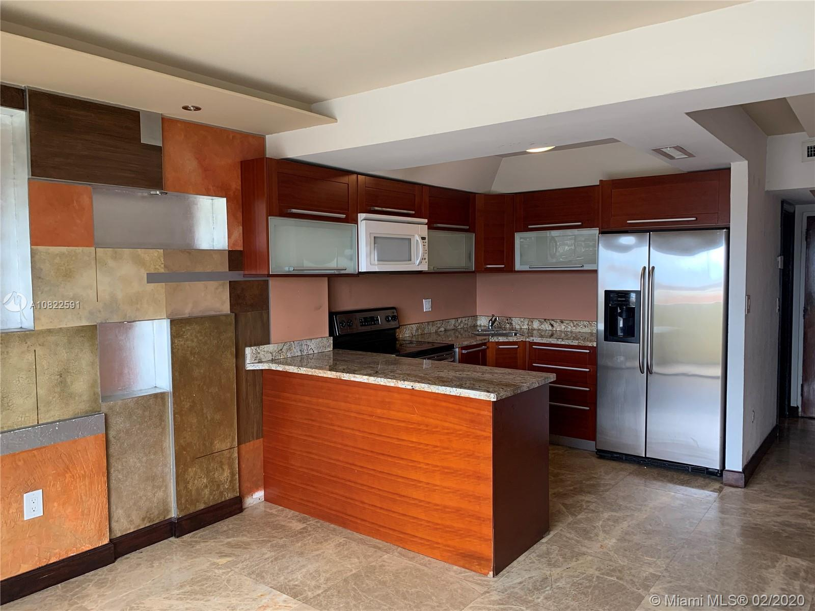 Great location with easy access to 836, MIA, Miami Downtown, Courts , Hospitals 2 Bedroom 1.5 baths in a great condition with a Washer/Dryer inside, Marble floor and laminate in second floor, stainless steel appliances , balcony face to Miami downtown skyline with a great view.Gated community.