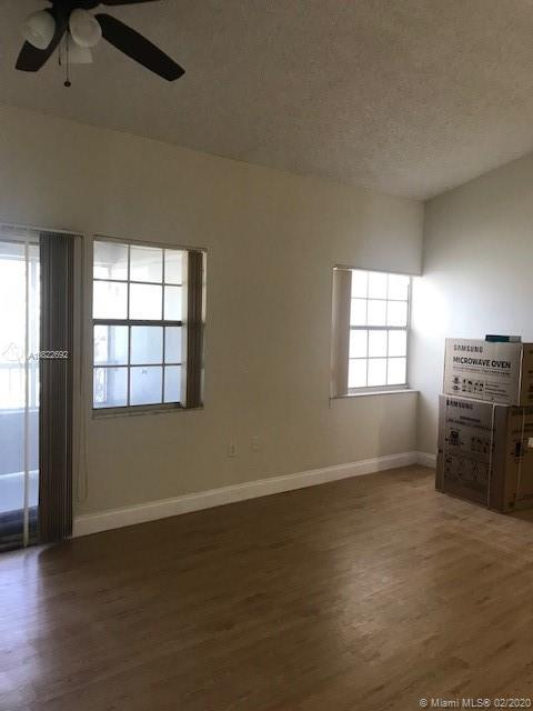 THIS GORGEOUS 2 BED/2 BATH ON THE THIRD FLOOR COMPLETELY REMODELED, KITCHEN WITH GRANITE COUNTER TOPS BRAND NEW STAINLESS STEEL APPLIANCES , WASHER/DRYER IN UNIT. BEAUTIFUL COMPLEX WITH POOLS ON LAKE VIEW, GYM, TENNIS COURTS, AND MORE. MUST HAVE CREDIT OVER 620 WITH EQUIFAX,