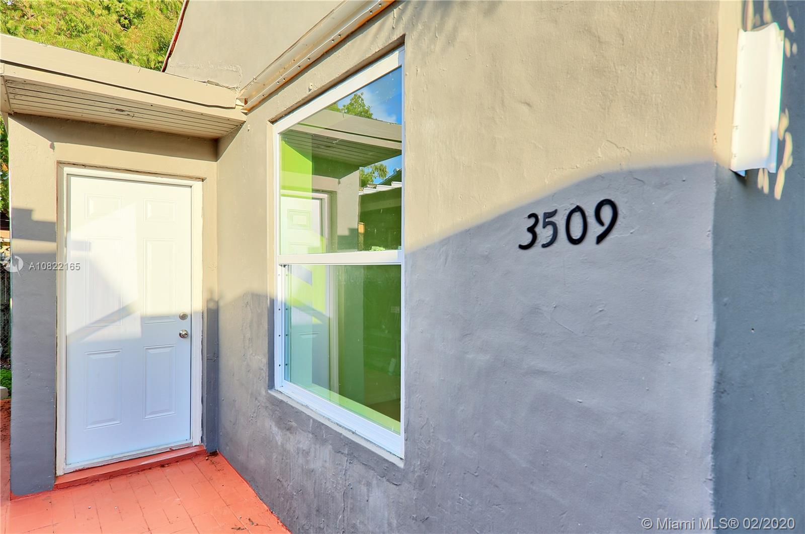 3509 SW 25th Ter  For Sale A10822165, FL