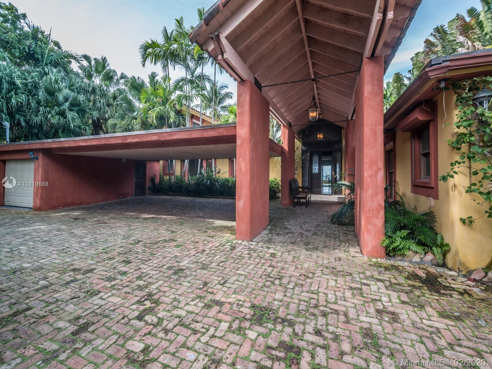 290  Harbor Dr  For Sale A10819688, FL