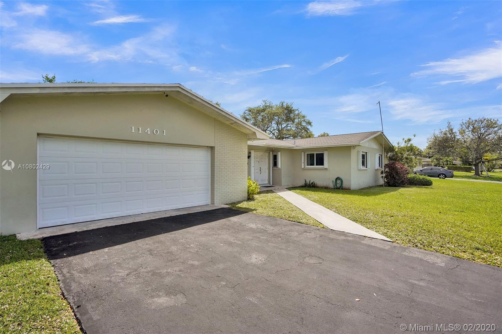 11401 SW 103rd Ave  For Sale A10802429, FL