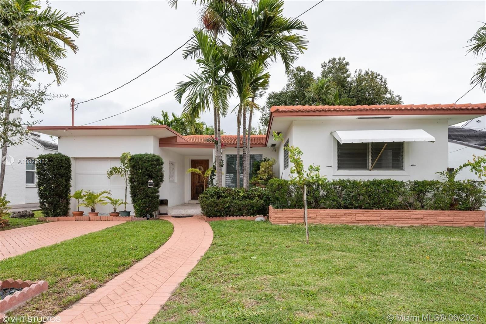 8927  Carlyle Ave  For Sale A10822962, FL