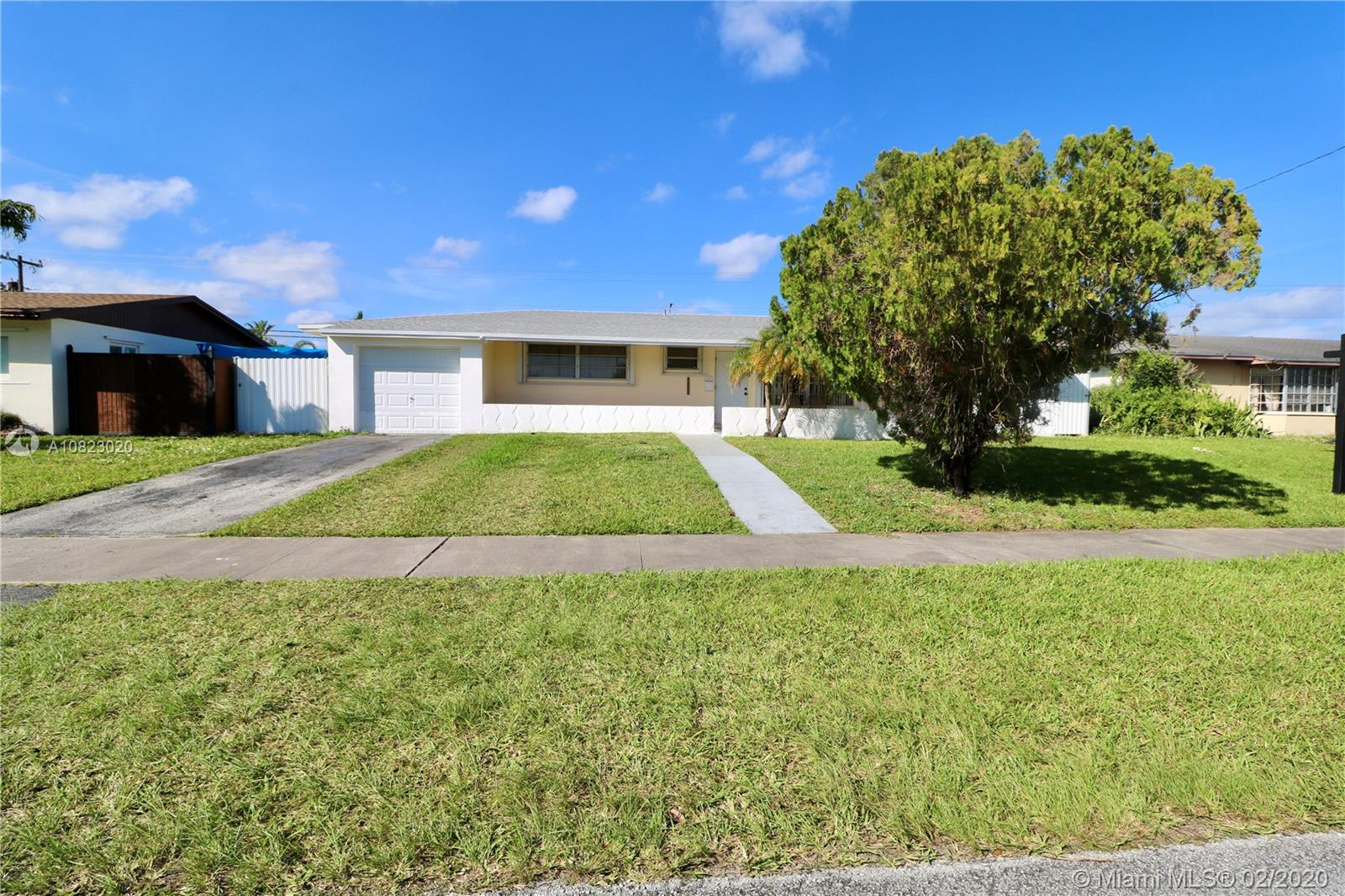 9951 SW 165th Ter  For Sale A10823020, FL