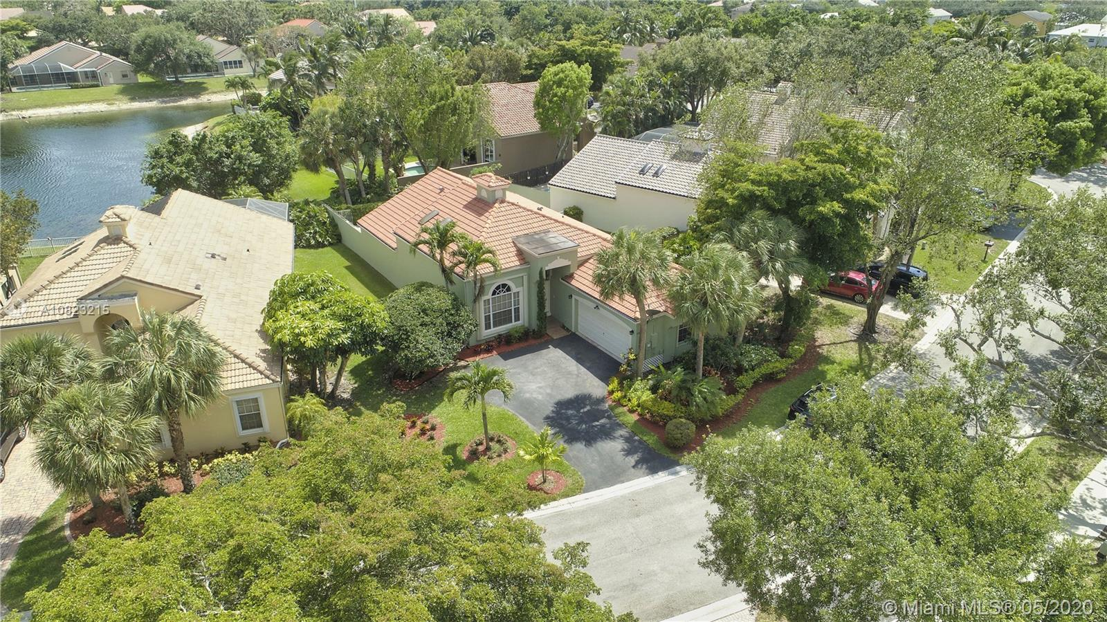 6820 NW 75th Pl  For Sale A10823215, FL