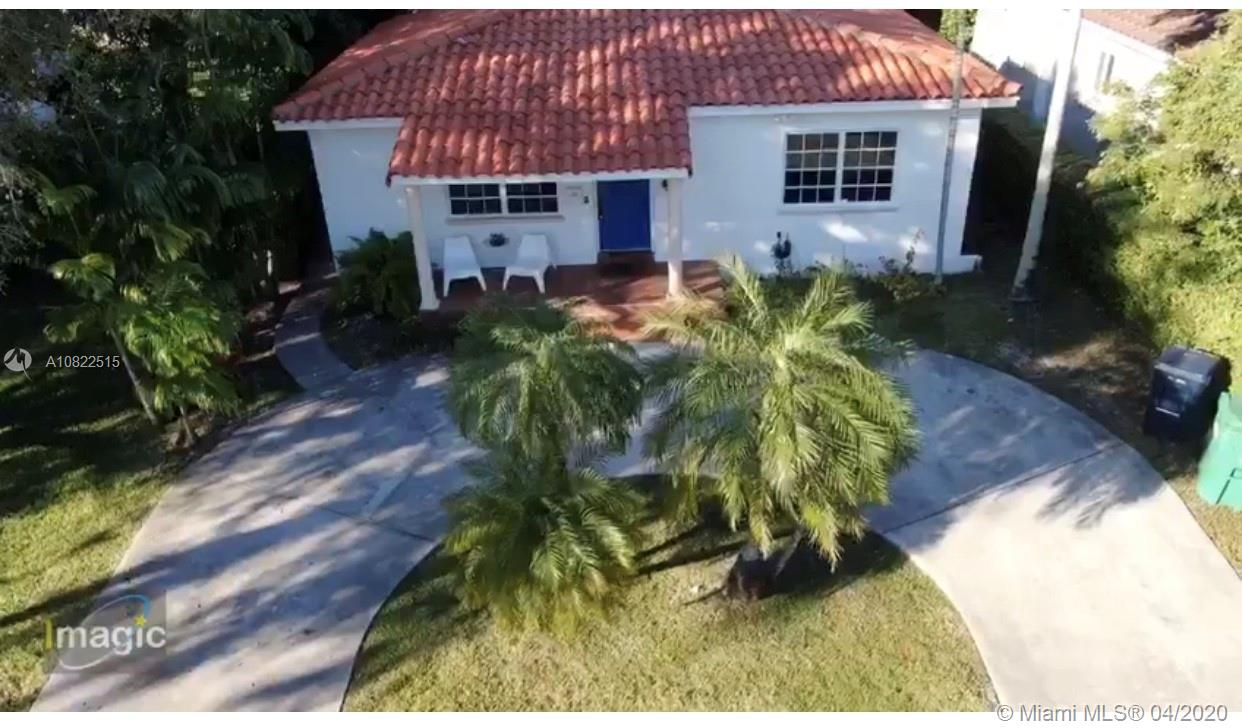 5825 SW 34th St  For Sale A10822515, FL