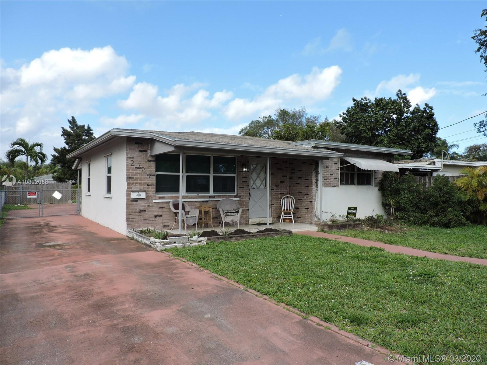 2707  Grant St  For Sale A10822086, FL