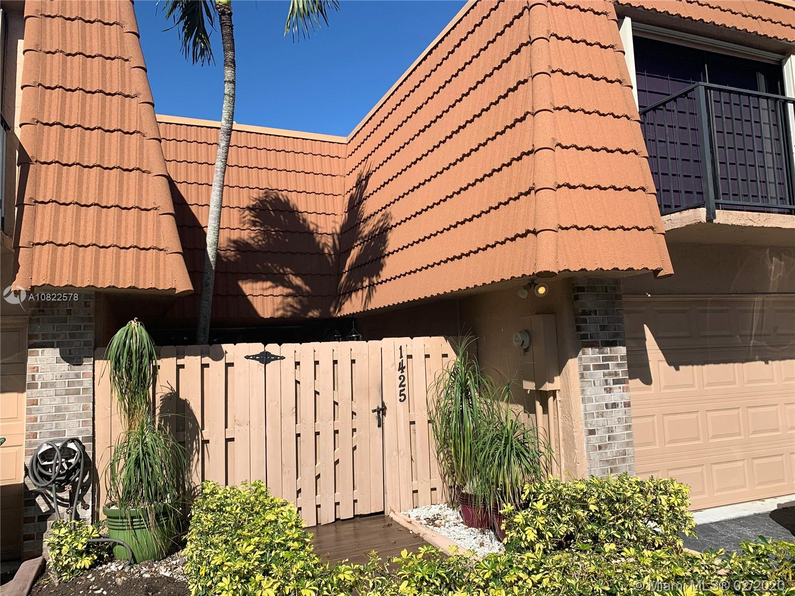 1425 SW 110th Way  For Sale A10822578, FL