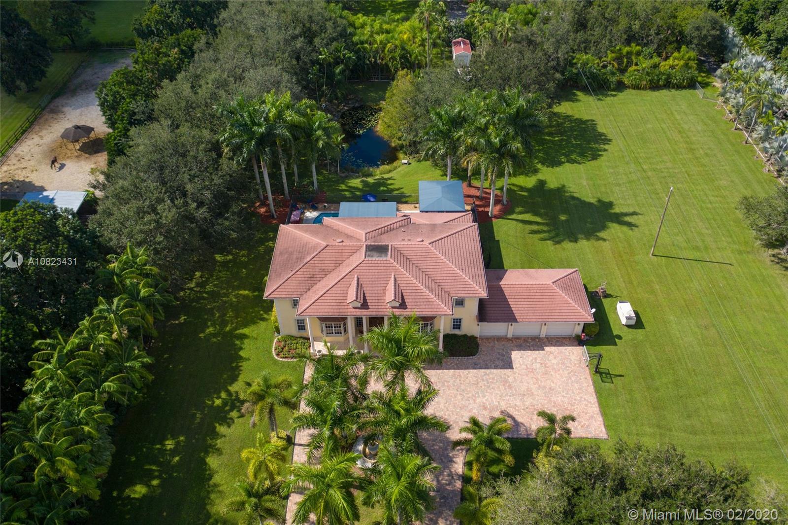 5400 SW 182nd Ter  For Sale A10823431, FL
