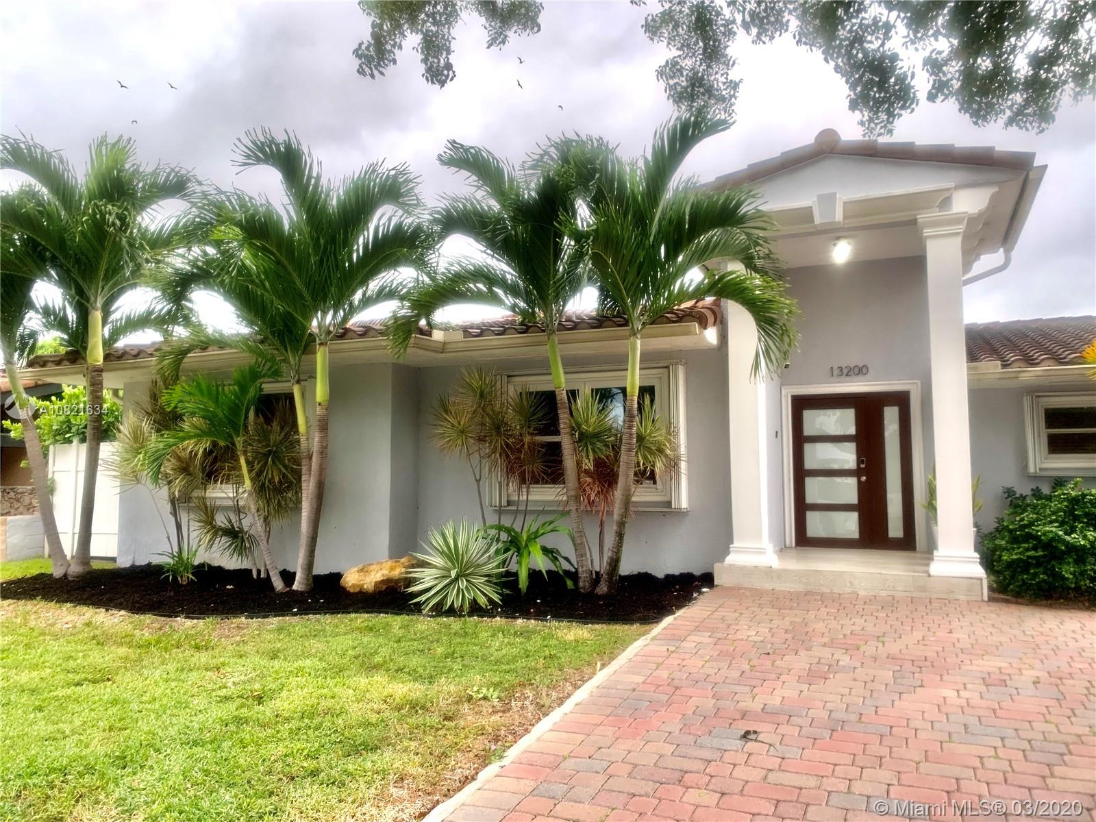 13200 N Bayshore Dr  For Sale A10821634, FL