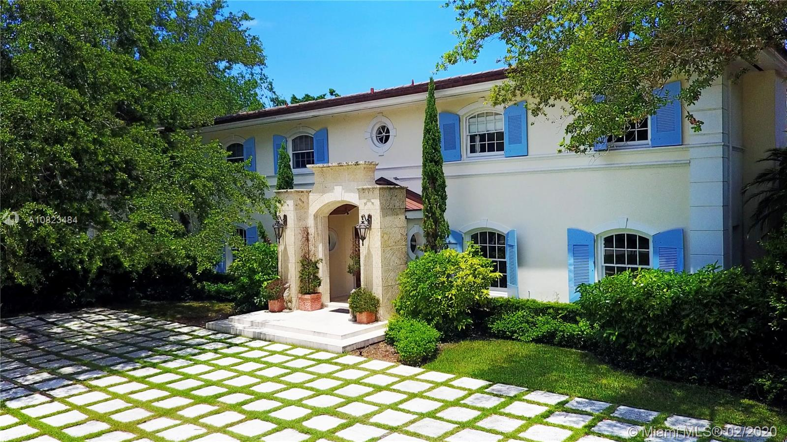 10255  Lakeside Dr  For Sale A10823484, FL