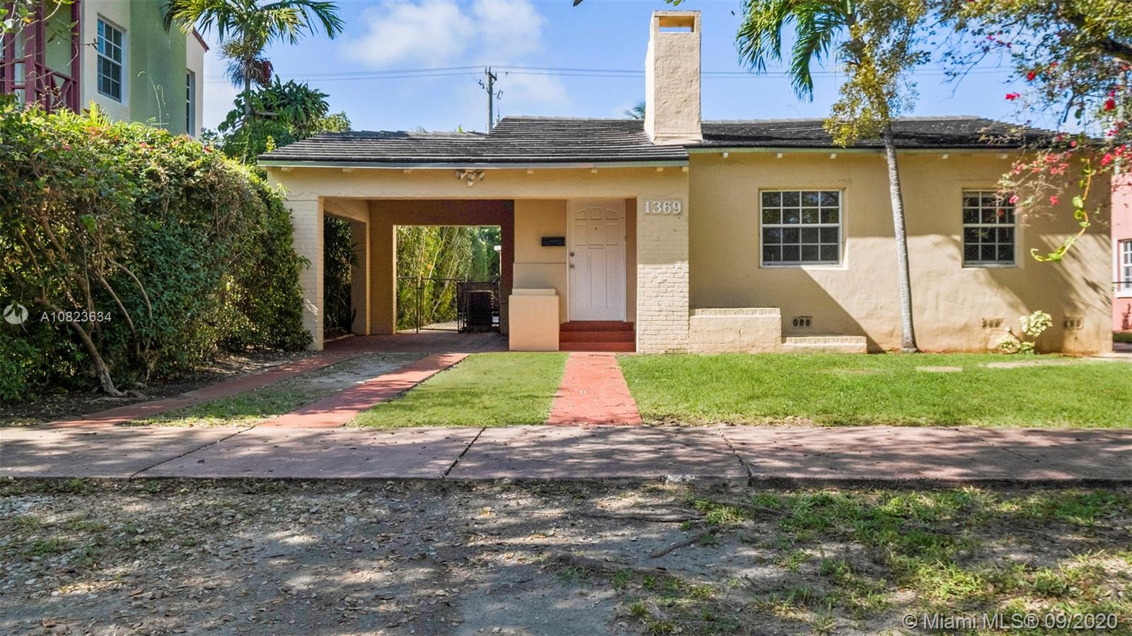 1369  Biarritz Dr  For Sale A10823634, FL