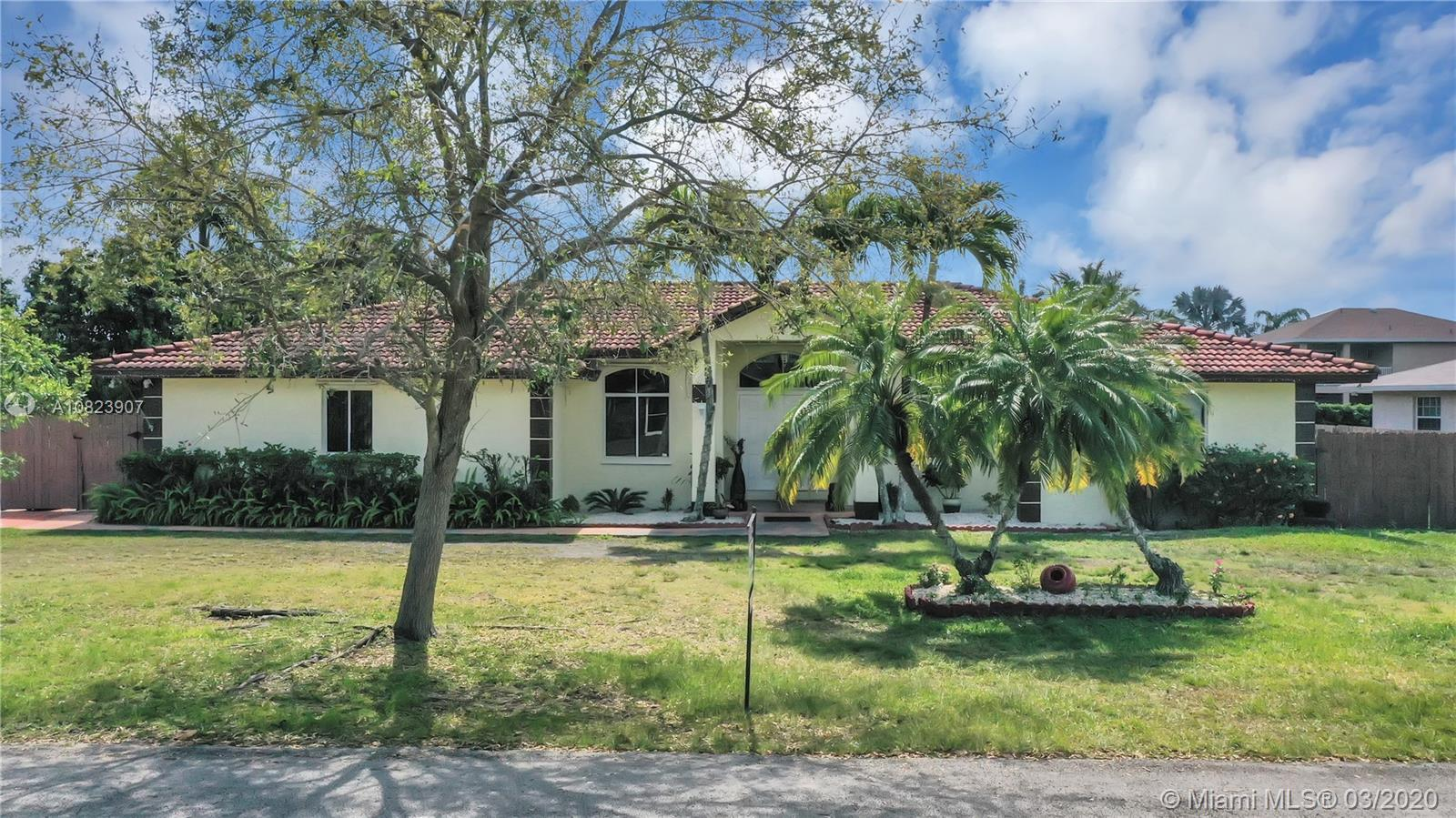 16720 SW 278th St  For Sale A10823907, FL