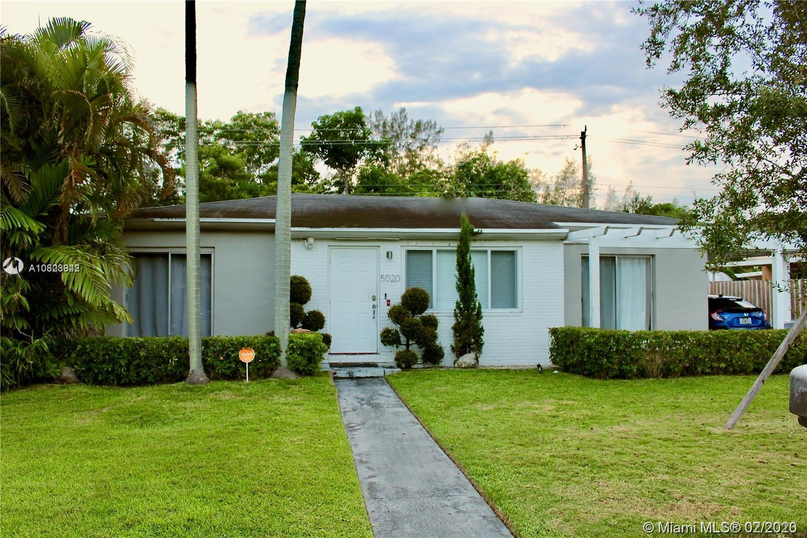 5020 SW 69th Ave  For Sale A10823942, FL