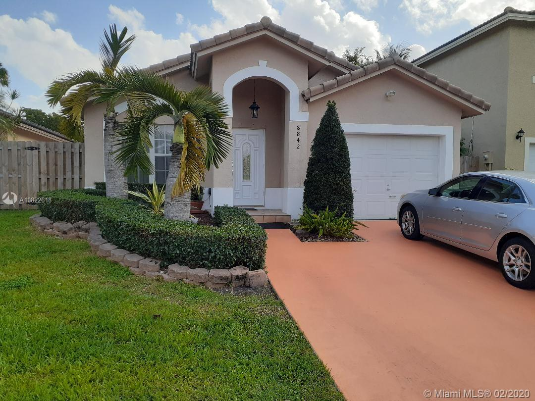 8842 SW 215th Ln  For Sale A10822618, FL