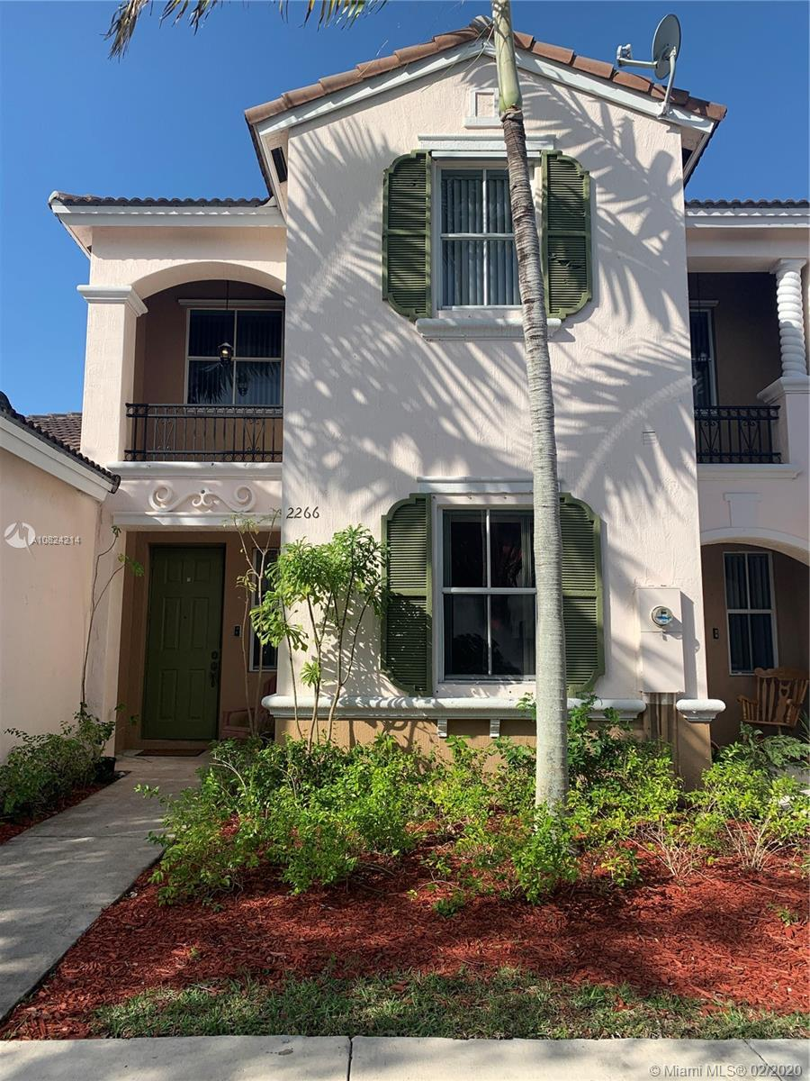 2266 NE 42nd Ave  For Sale A10824214, FL