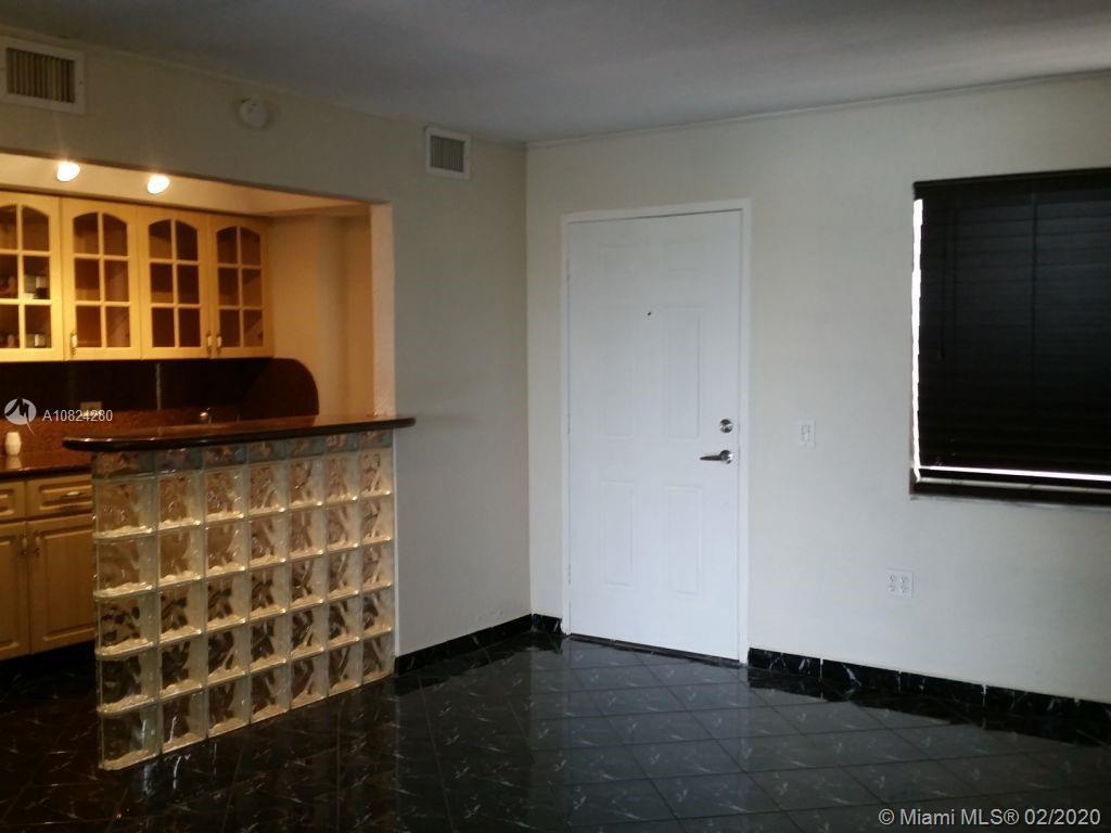 7904  West Dr #207 For Sale A10824280, FL