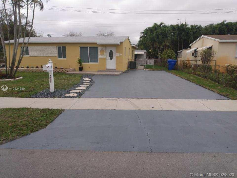 1500 N 71st Ave  For Sale A10824389, FL