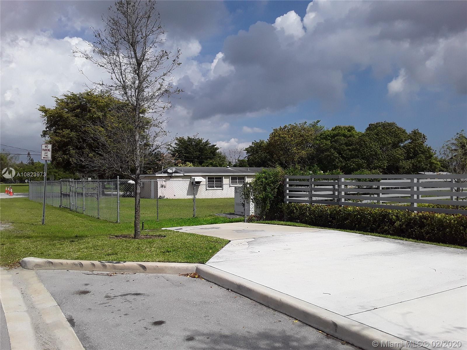 11892 SW 214th St, Miami, FL 33177
